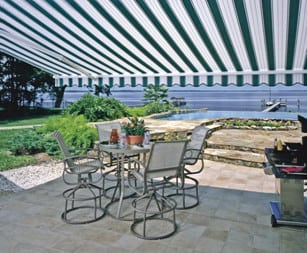 Motorized Retractable Awnings: The Ideal Solution for Large Exposed Patios