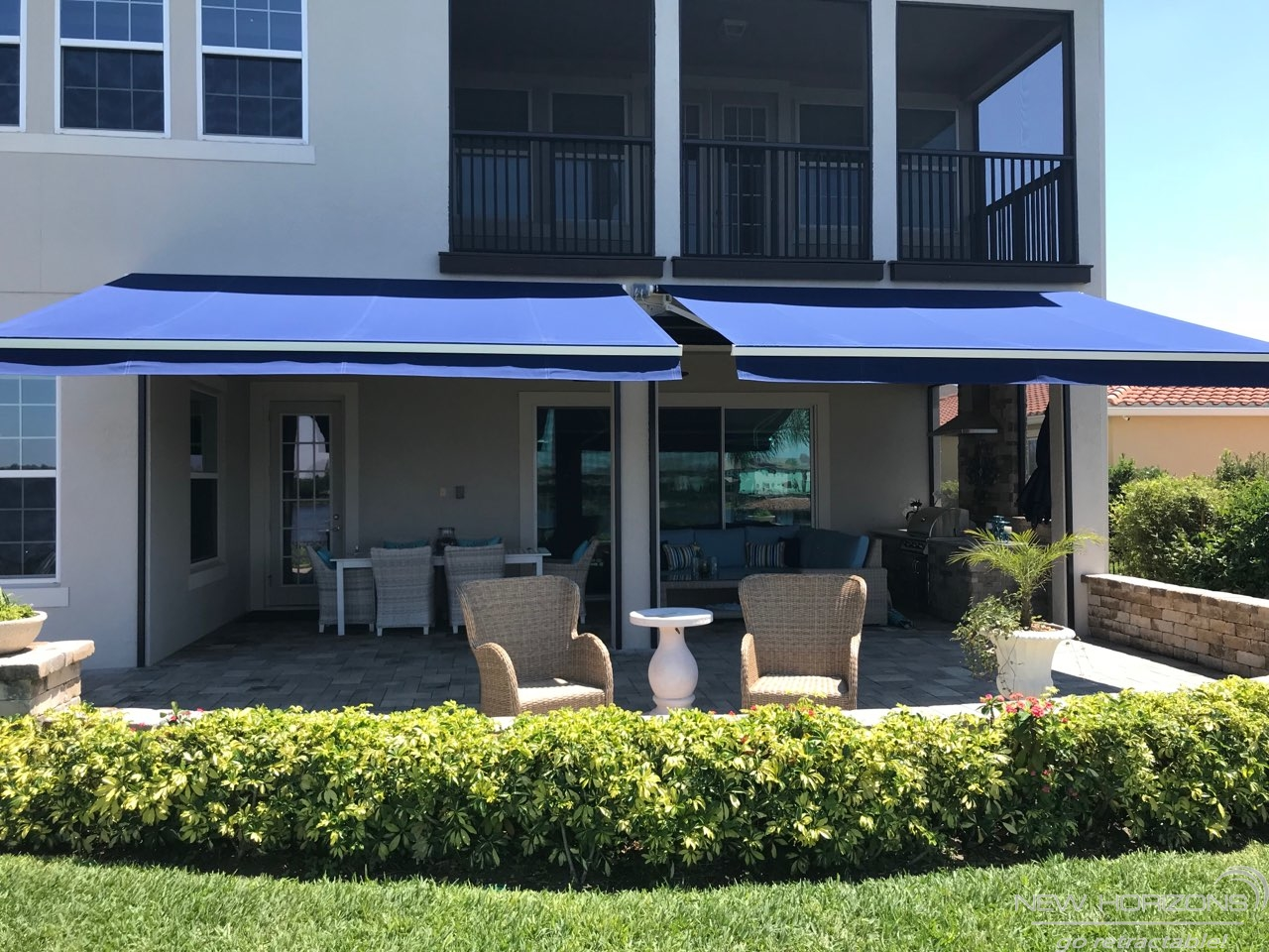 Retractable Awnings Manual And Motorized Options